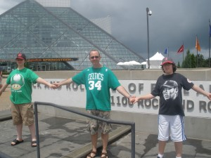 hands across Rock Hall 300x225 Lucas Do dah